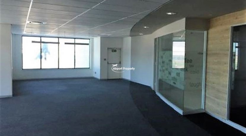 offices to rent airport cape town execujet 4