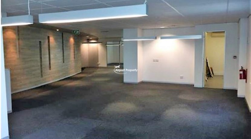 offices to rent airport cape town execujet 7