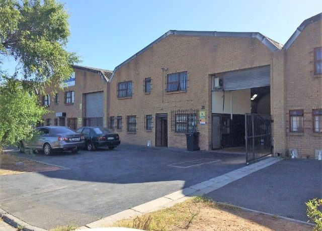 Warehouse for sale in Montague Gardens 1