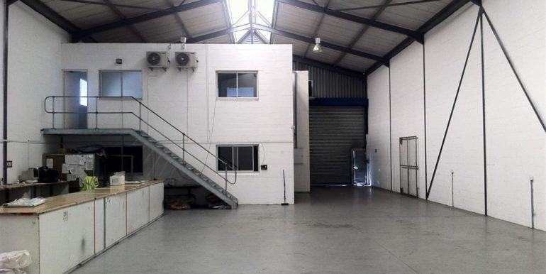 Warehouse to let Airport 1