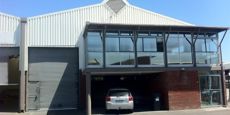 Warehouse to let Airport 2