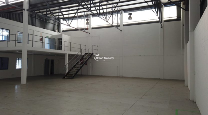 warehouse to rent airport industria 2121 2