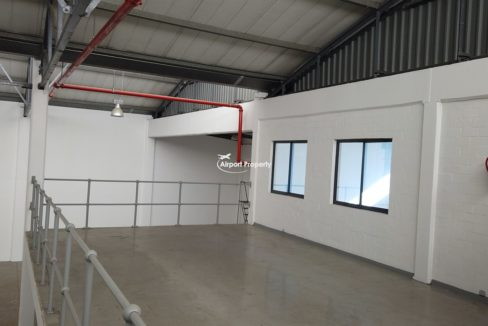 warehouse to rent airport industria 2121 4