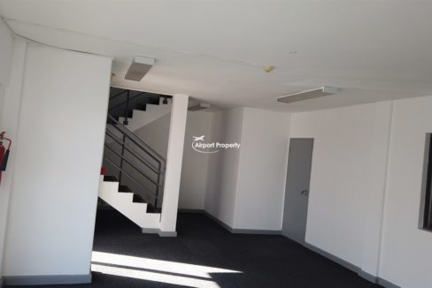 warehouse to rent airport industria 2121 5