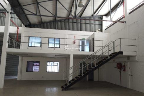 warehouse to rent airport industria 2121 7