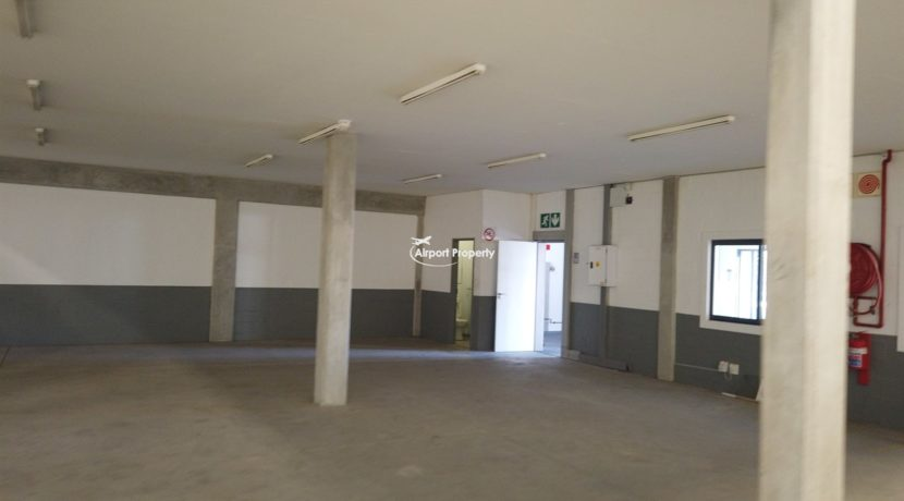warehouse to rent airport industria 645 1