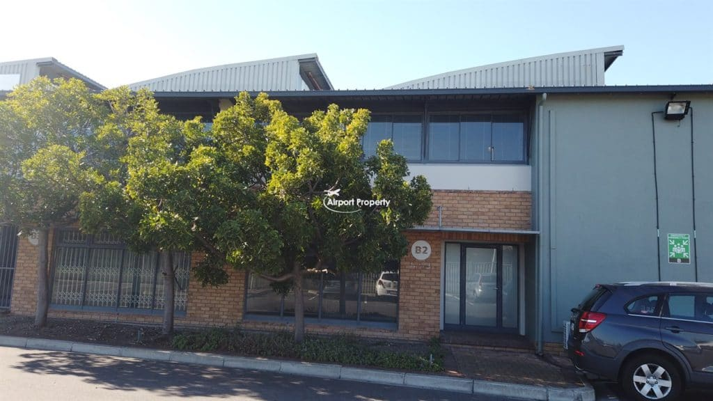 440m² warehouse to rent. Unit B2, CTX Business Park