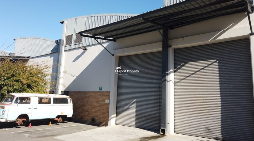warehouse to rent airport industria 645 27