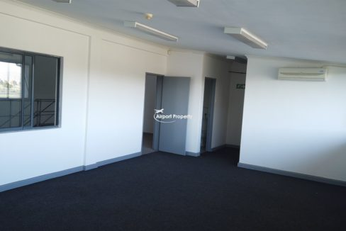 warehouse to rent airport industria 645 7