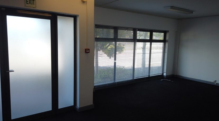 warehouse to rent airport industria 646 11