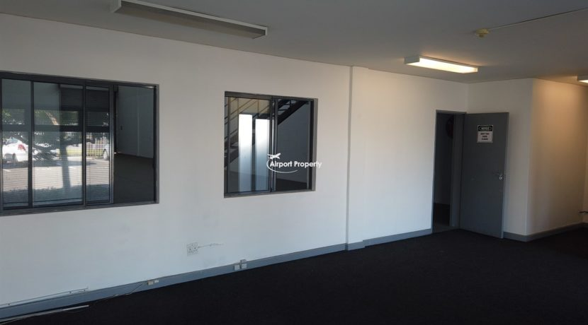 warehouse to rent airport industria 646 12