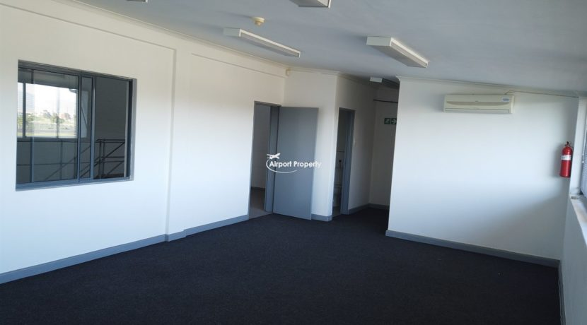 warehouse to rent airport industria 646 16