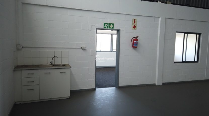warehouse to rent airport industria 646 19