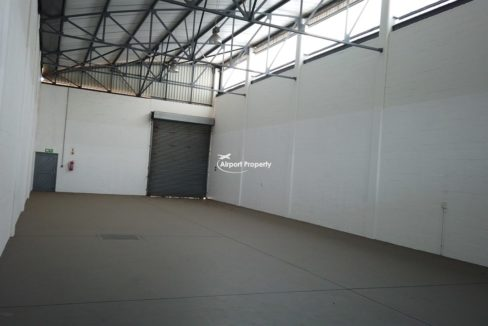 warehouse to rent airport industria 646 21