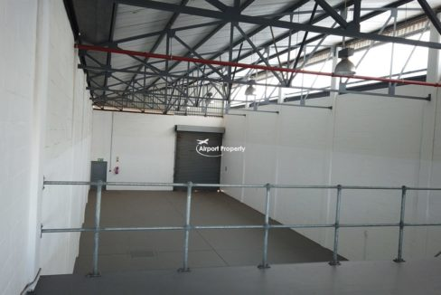 warehouse to rent airport industria 646 4