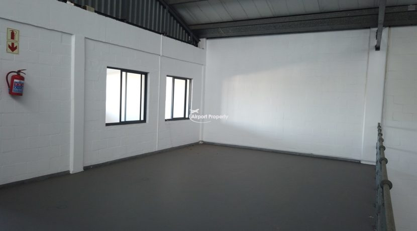 warehouse to rent airport industria 646 5