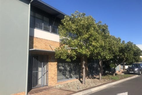 warehouse to rent airport industria 646 9