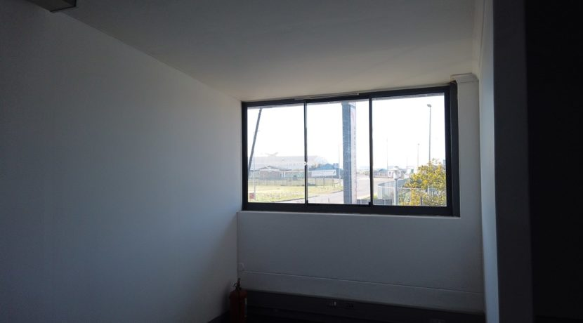 warehouse to rent airport industria 648 1