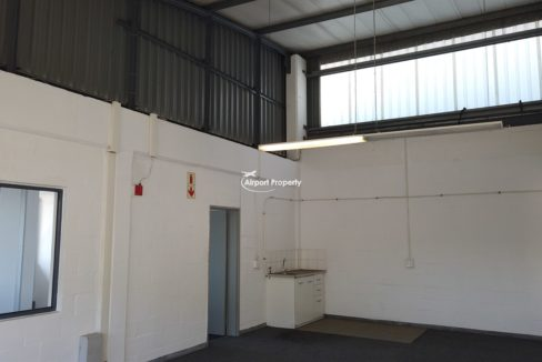 warehouse to rent airport industria 648 13