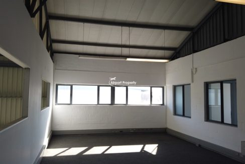 warehouse to rent airport industria 648 7