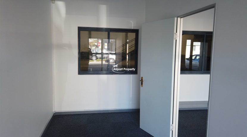 warehouse to rent airport industria 650 1