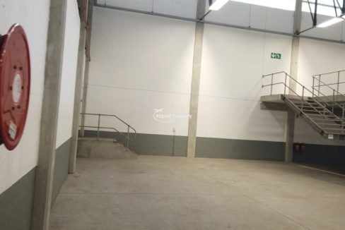 warehouse to rent airport industria 650 14