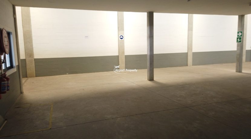 warehouse to rent airport industria 650 20