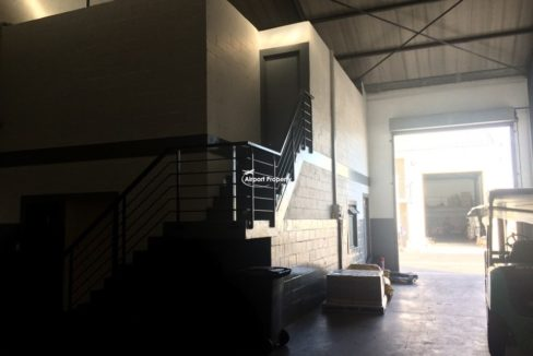 warehouse to rent airport industria gforce park 18