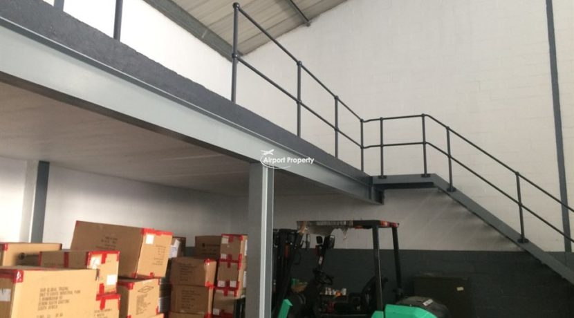 warehouse to rent airport industria gforce park 26