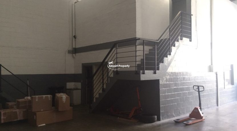 warehouse to rent airport industria gforce park 27