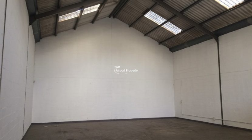 warehouse to let airport industria 503 2