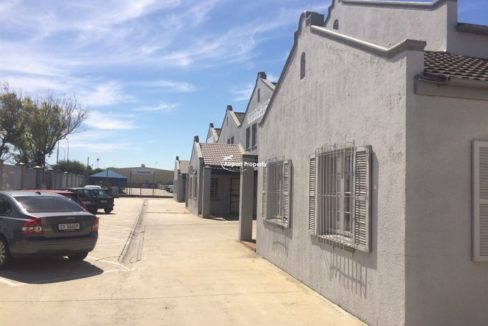 warehouse to let airport industria 503 4