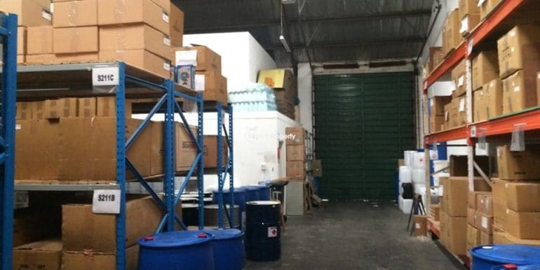 warehouse to let airport industria 640 17