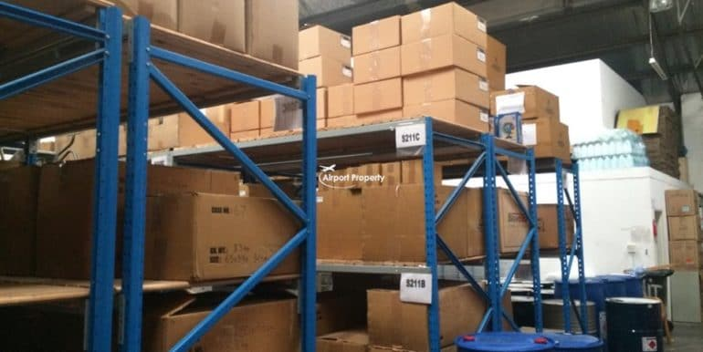 warehouse to let airport industria 640 18