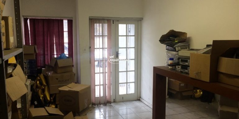 warehouse to let airport industria 640 20