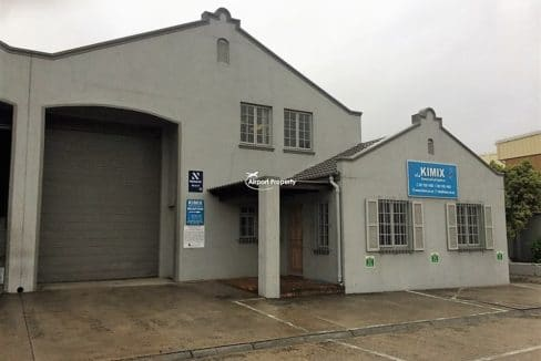 warehouse to let airport industria 673 1 1