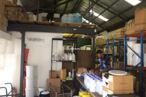 warehouse to let airport industria 673 13
