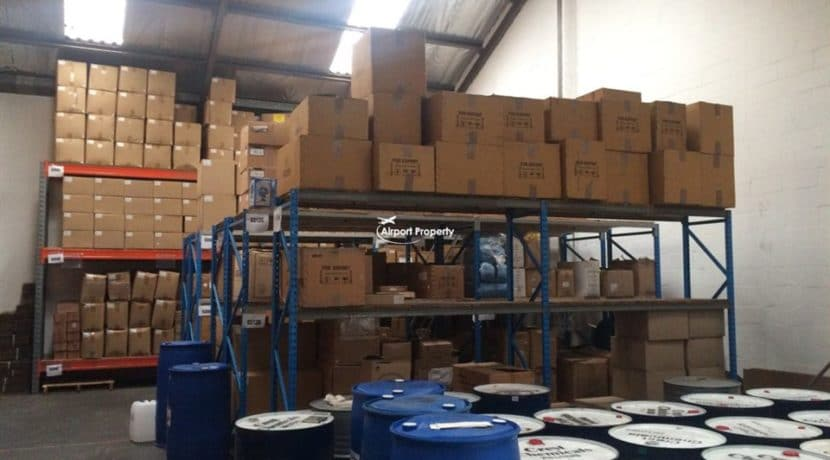 warehouse to let airport industria 673 17
