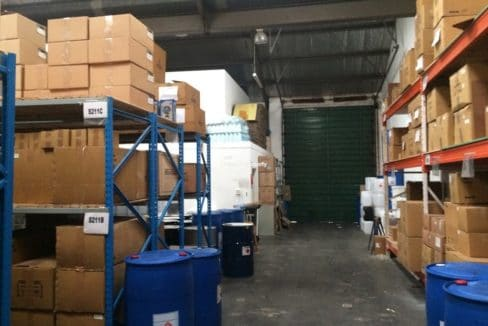 warehouse to let airport industria 673 18