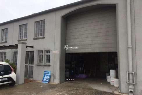 warehouse to let airport industria 673 2