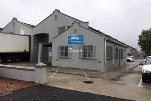 warehouse to let airport industria 673 4