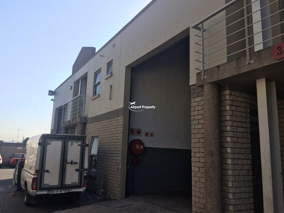 380m² Warehouse to rent, Unit 8, G Force Park,  Airport Industria