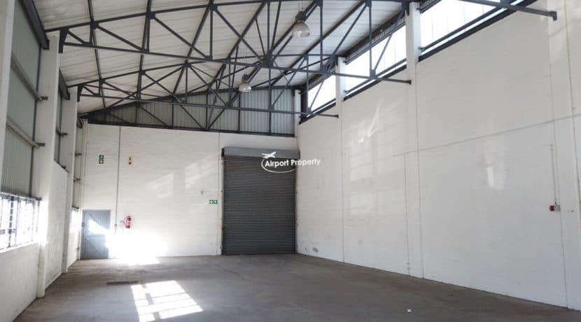 warehouse to rent airport industria 647 1