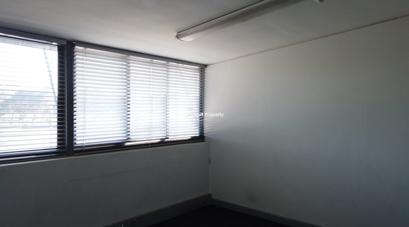 warehouse to rent airport industria 647 11