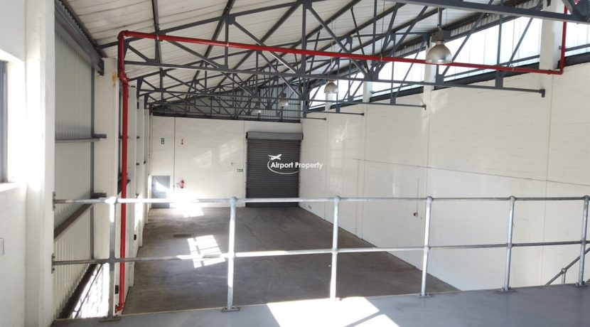 warehouse to rent airport industria 647 12