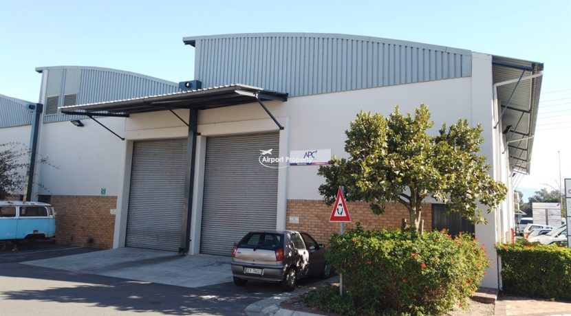 warehouse to rent airport industria 647 2