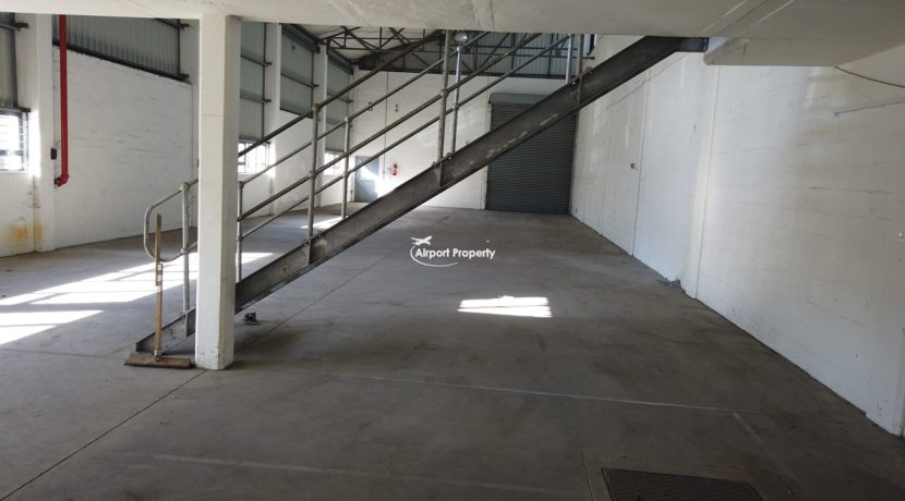 warehouse to rent airport industria 647 3