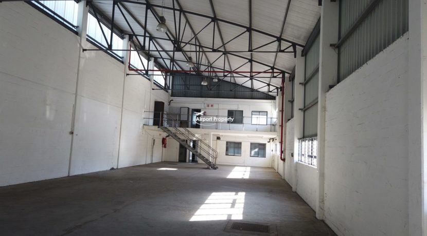 warehouse to rent airport industria 647 4