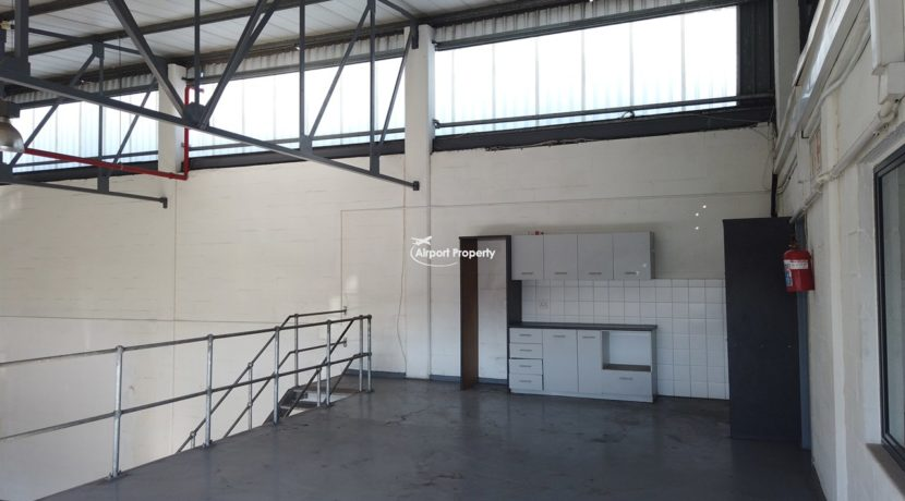 warehouse to rent airport industria 647 7