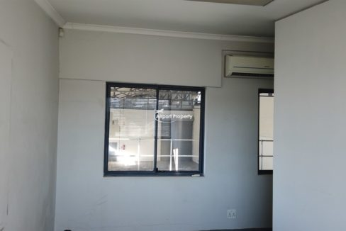 warehouse to rent airport industria 647 9